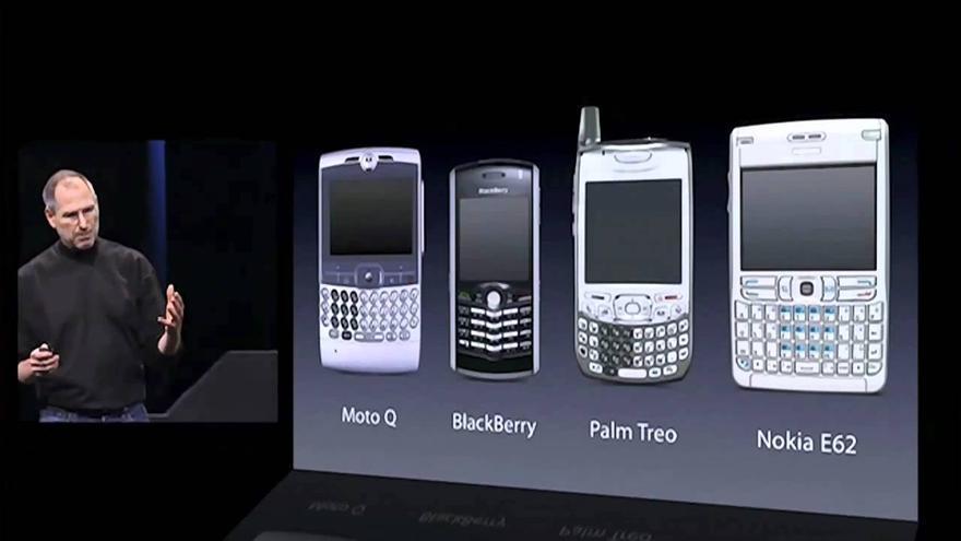 Jobs dedicó unos minutos hace una década a comparar el iPhone con los competidores