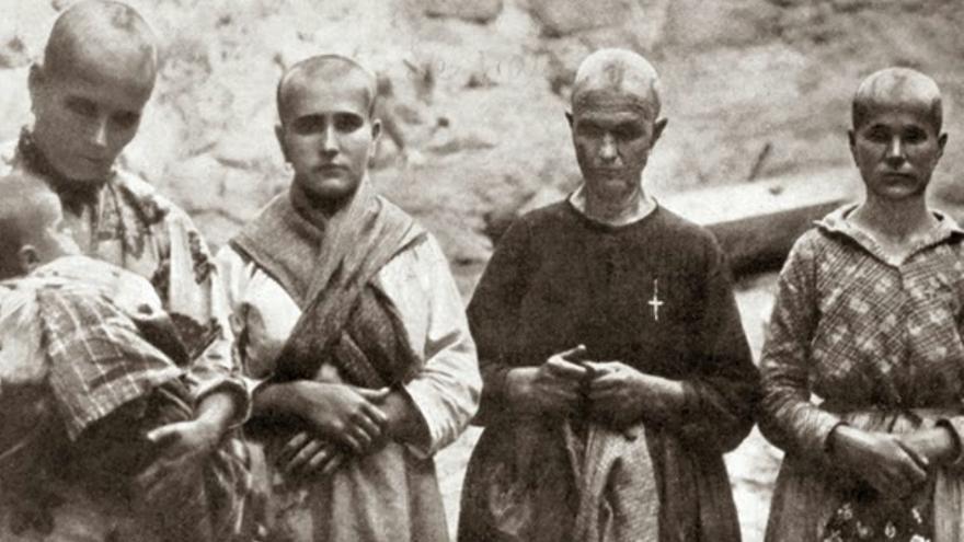 Mujeres víctimas de los estudios del franquismo para buscar el 'gen rojo'.