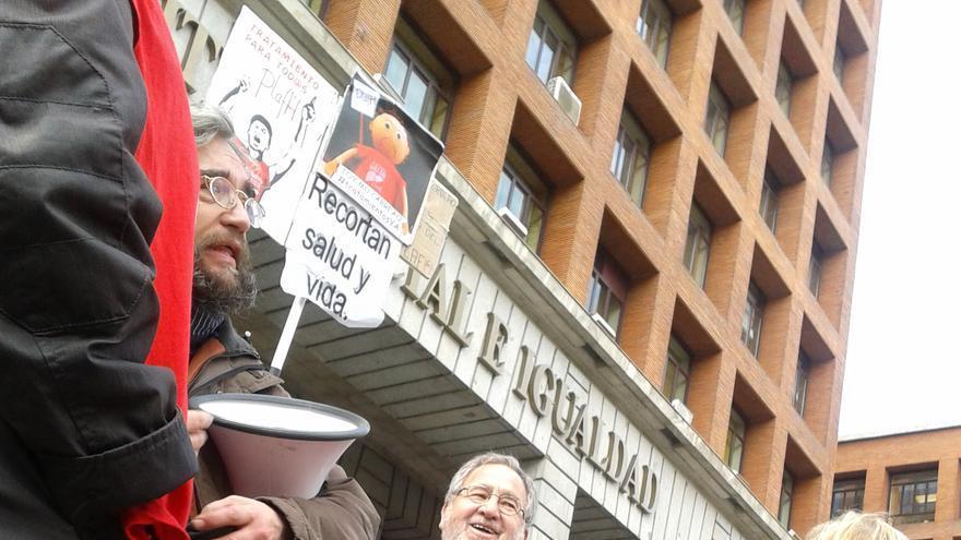 Afectados por la hepatitis C frente al Ministerio de Sanidad / eldiario.es