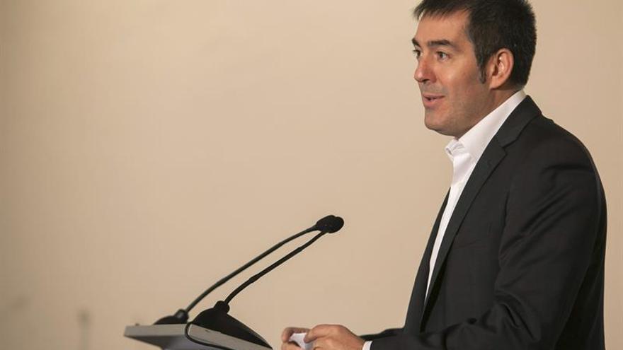 El candidato de CC a la presidencia del Gobierno de Canarias, Fernando Clavijo. (EFE/Ángel Medina G.).
