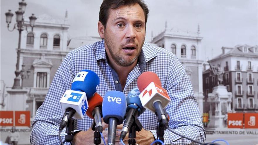 El socialista Óscar Puente, alcalde de Valladolid tras 20 años de De la Riva