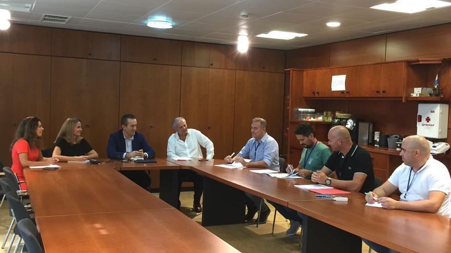 Reunión de representantes de la Agrupación de la Policía Canaria de la Federación de Servicios a la Ciudadanía de CCOO Canarias con los máximos representantes en materia de seguridad de Coalición Canaria y Partido Popular.