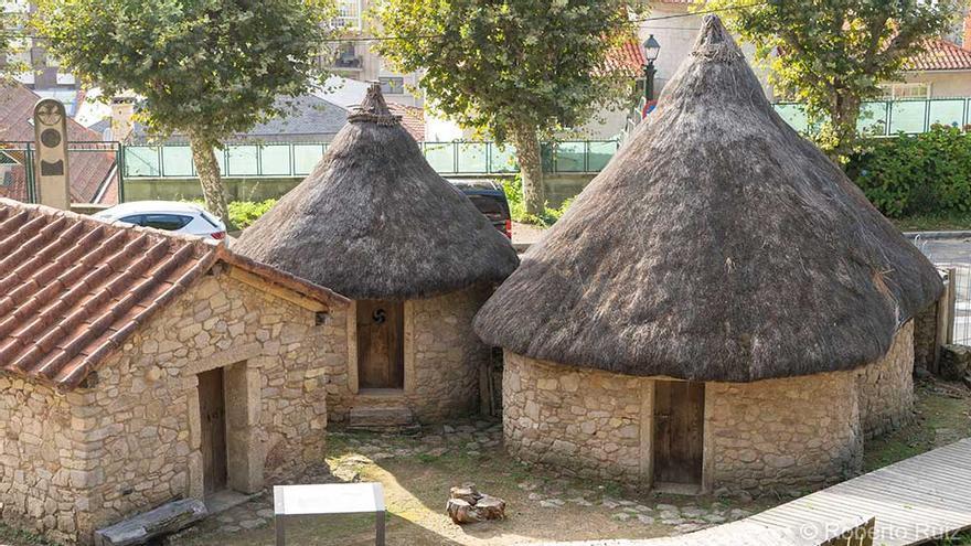 Reproducción del castro celta donde tuvo sus orígenes Vigo.