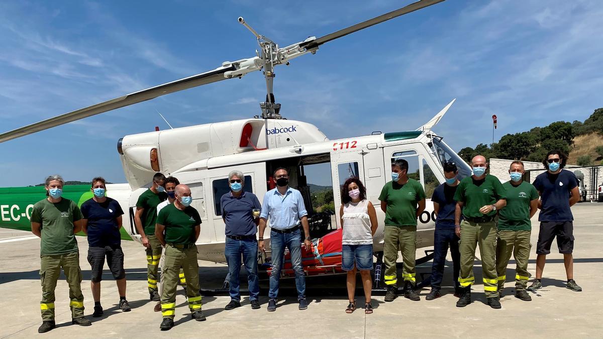 Uno de los helicópteros del Infoca en el Cedefo