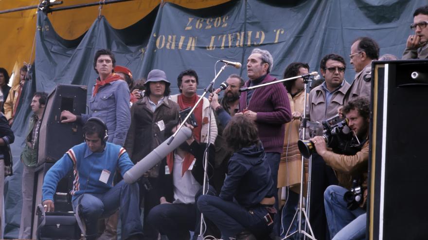 Marcelino Camacho y Santiago Carrillo, en un acto del PCE durante la Transición.