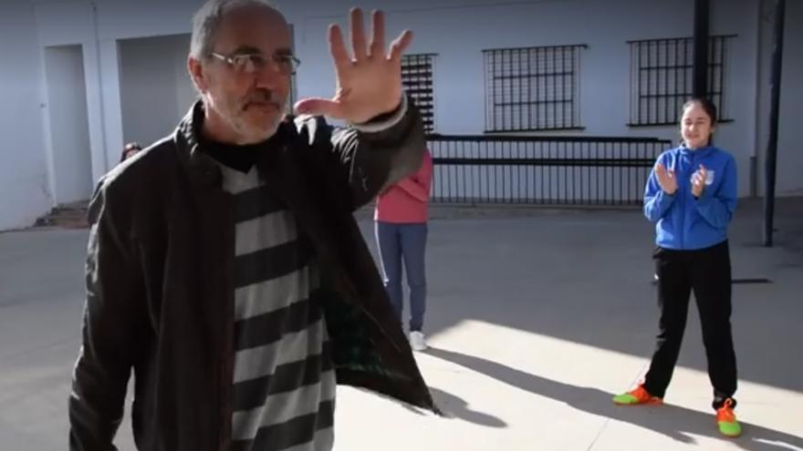 Juan Antonio, en una imagen del vídeo de su despedida.
