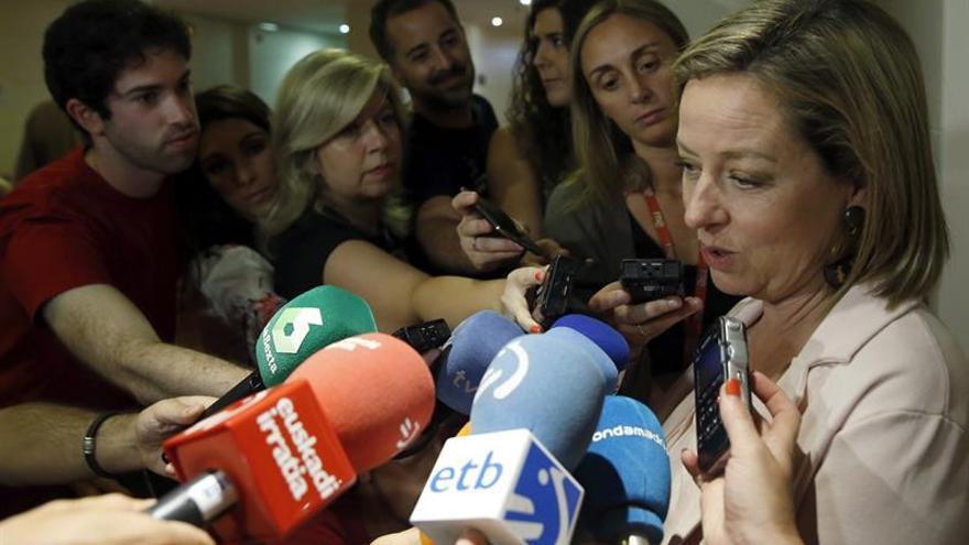 "Oramas (CC) dispuesta a apoyar a Rajoy, pero ""no va a ser un voto de adhesión"""