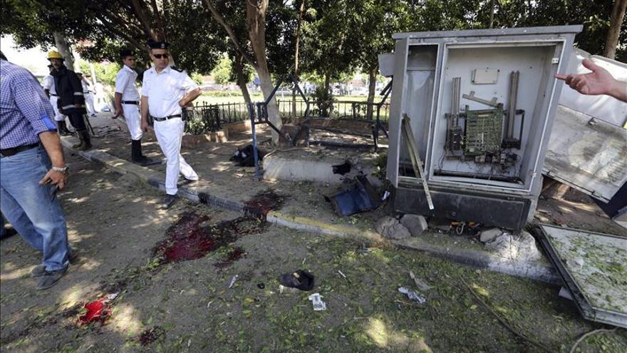Un muerto y una decena de heridos en explosiones en El Cairo y el Sinaí