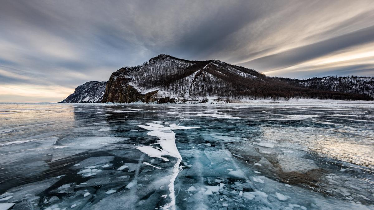 Aguas heladas del Baikal. En Invierno, las temperaturas pueden bajar de los veinte grados bajo cero.