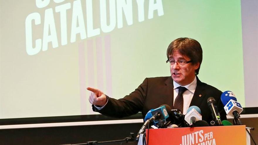 """Puigdemont dice que los oponentes políticos no tienen """"legitimidad"""" para gobernar"""