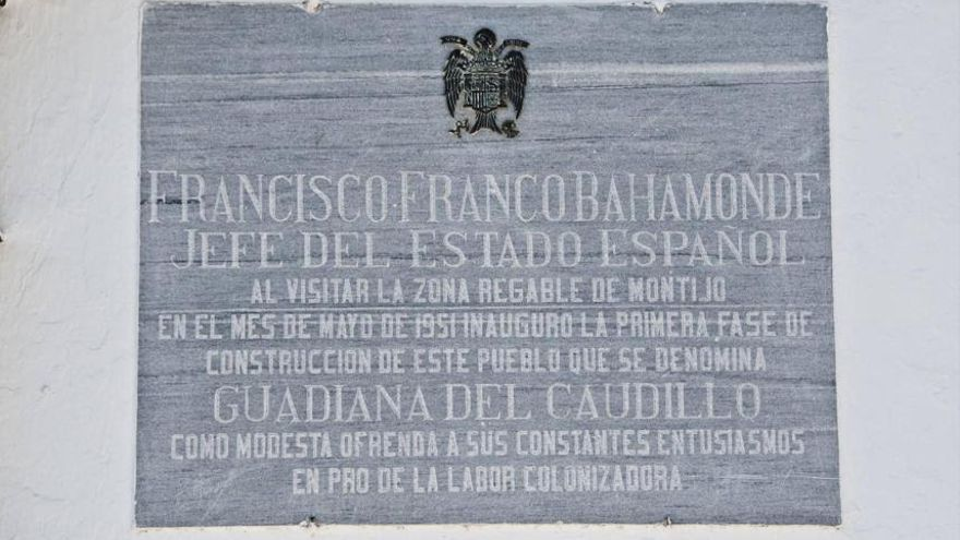 Guadiana Caudillo placa franquista antigua