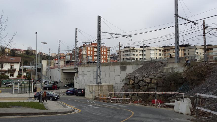 Estación provisional del topo que se construyó en 2010 y cuyas obras han estado paralizadas hasta ahora.