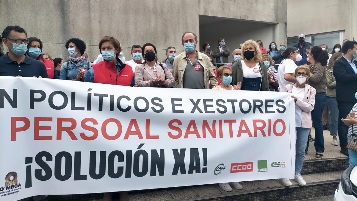 """Los médicos de Pontevedra denuncian por lo penal a la Xunta por los  """"riesgos de gravedad"""" derivados del colapso de la Atención Primaria"""