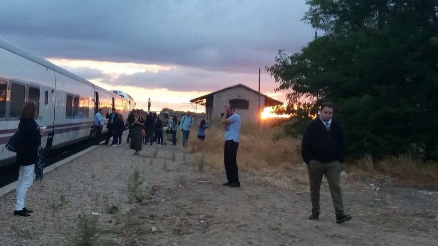 Imagen subida a las redes de pasajeros tras la nueva avería en el talgo Madrid- Extremadura