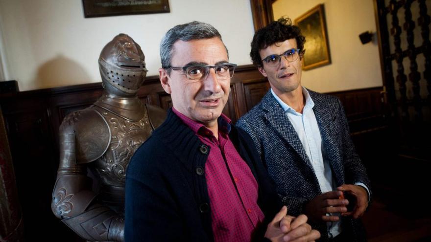 Javier Abreu y Yeray Rodríguez, antes de un pleno de La Laguna. / FOTO: Fran Pallero. DIARIO DE AVISOS.