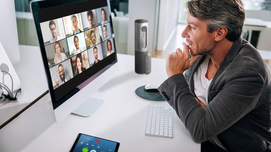 Una videoconferencia a través de Zoom