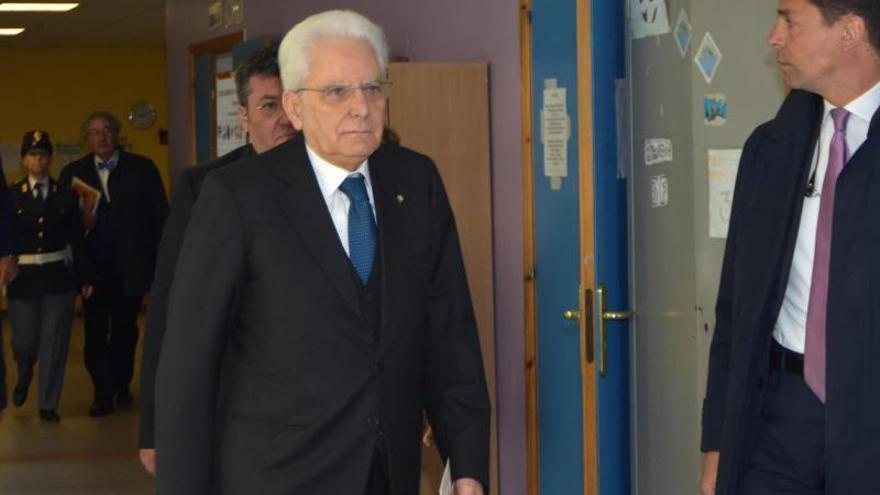 Demócratas y antisistema tratan de gobernar Italia con nuevo plan económico