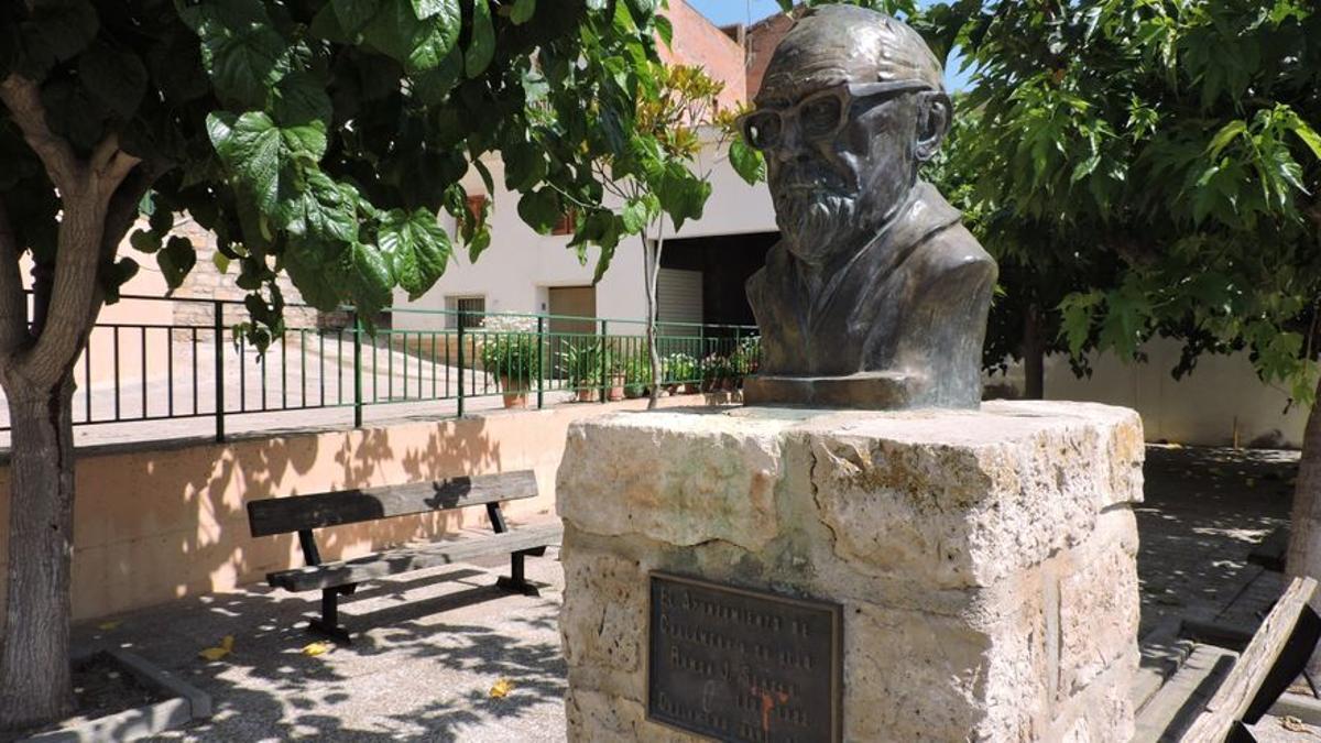 Busto de J. Sender en Chalamera