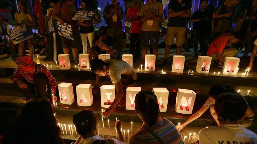 Tacloban recuerda a las más de 6.300 víctimas del tifón Haiyan hace dos años