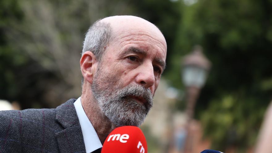 Santiago Pérez, en las juzgados de La Laguna el día en que Clavijo declara por el caso Grúas