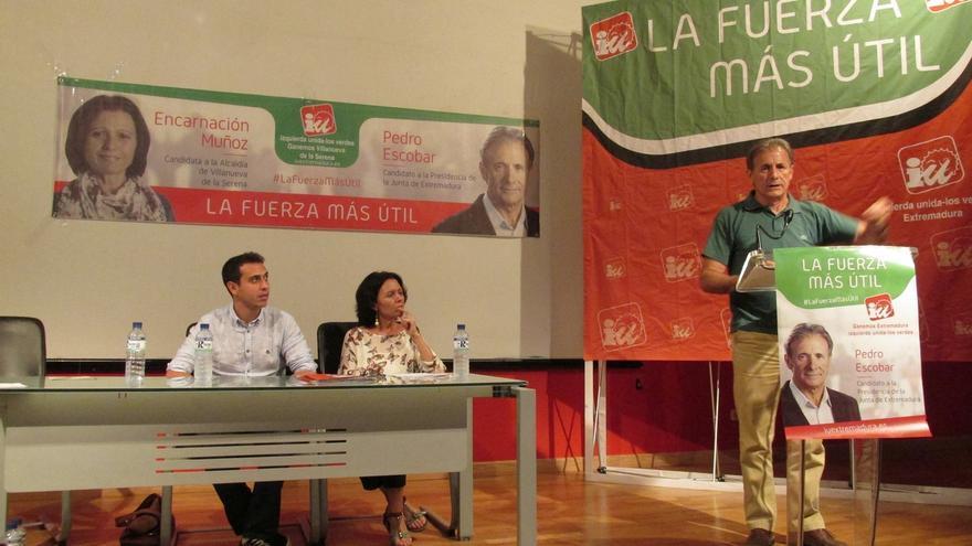 """IU dice que no le """"quitó nada a Vara"""" ni le """"dio nada a Monago"""", sino que los extremeños """"castigaron"""" al PSOE"""