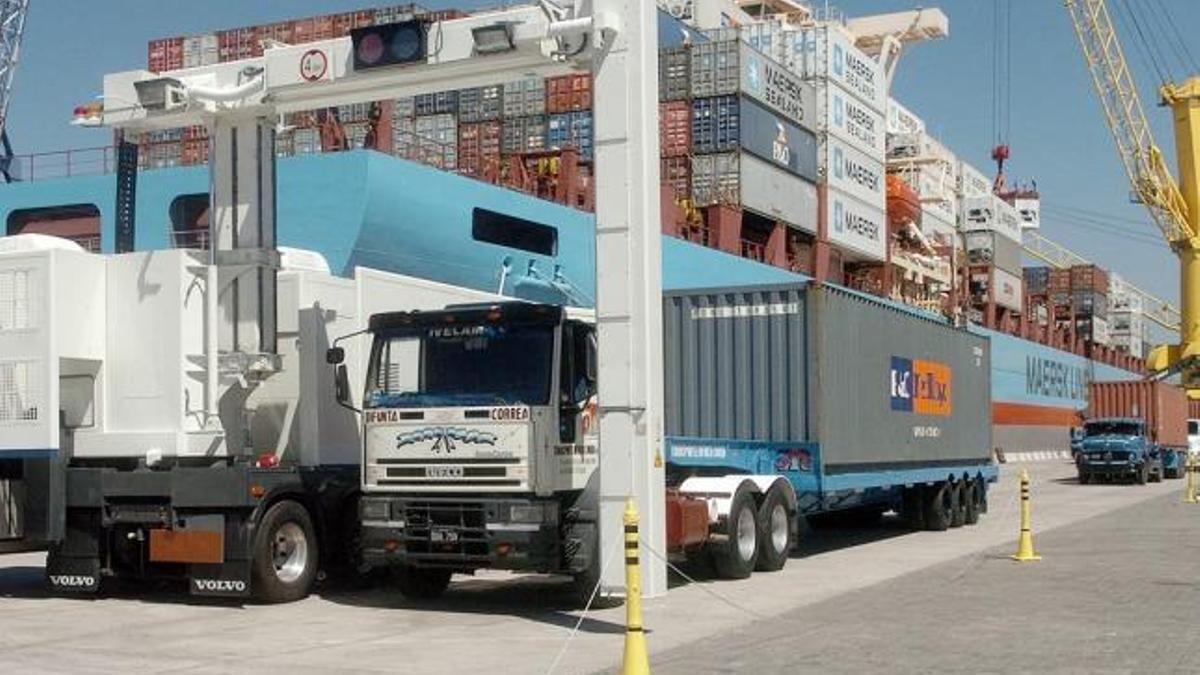 La Aduana denunció irregularidades por 330 millones de dólares.