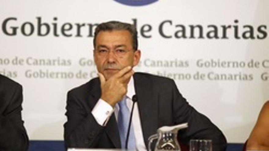 Paulino Rivero, el el miembro del Gobierno que más utiliza las redes sociales.