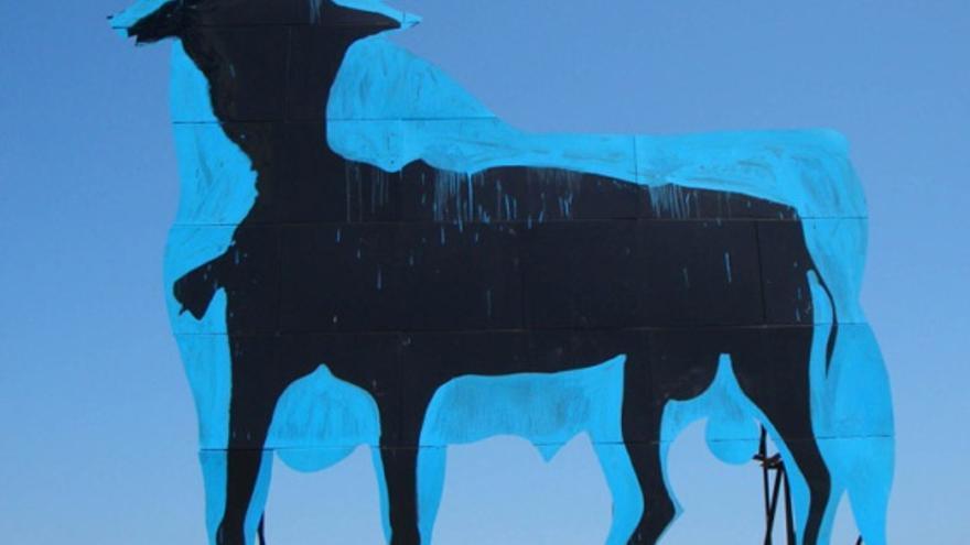 Toro en Santa Pola en 2009 / Sam3