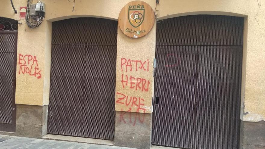 """La Federación de Peñas rechaza """"frontalmente"""" las pintadas sufridas por la Peña Oberena"""