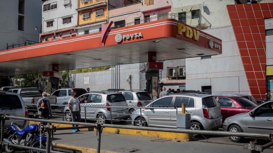 Industriales venezolanos buscan importar diésel desde Colombia por escasez