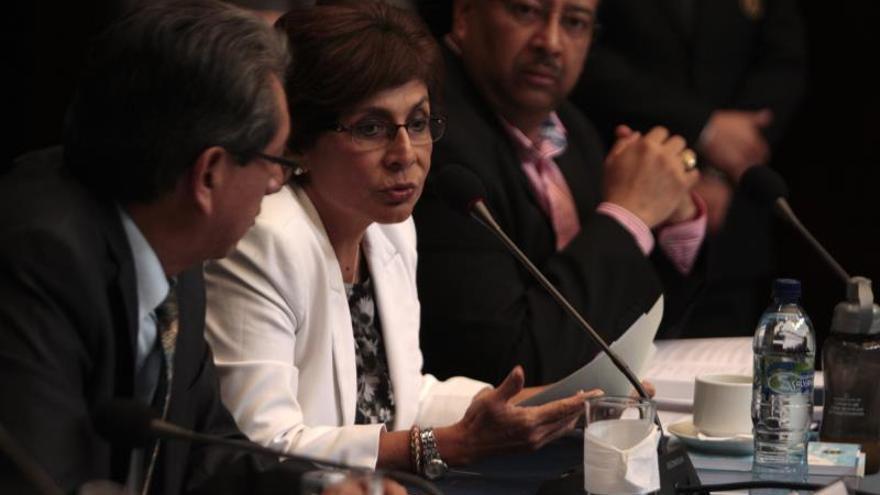 Encuentran siete micrófonos en oficina de una exdiputada opositora guatemalteca