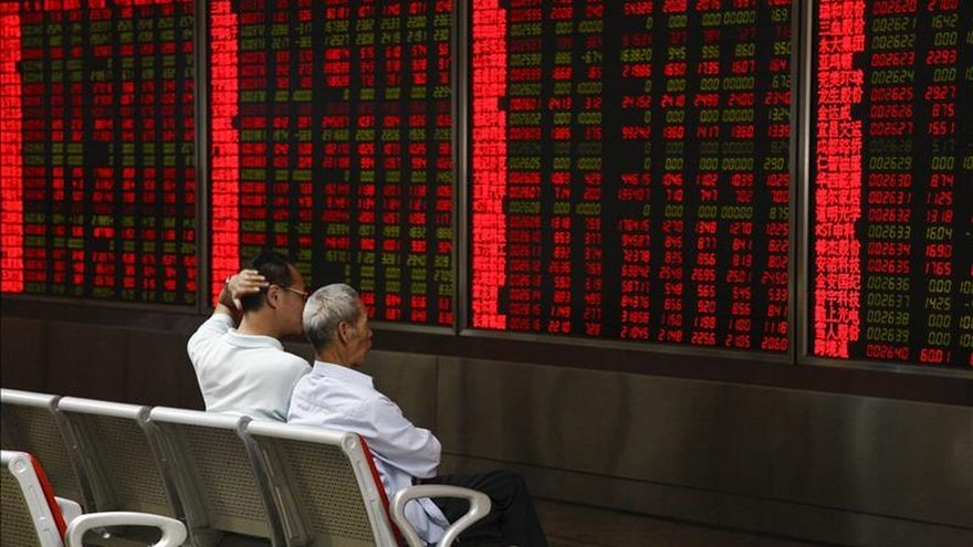 La Bolsa de Shanghái gana un 4,89 con ciento al cierre