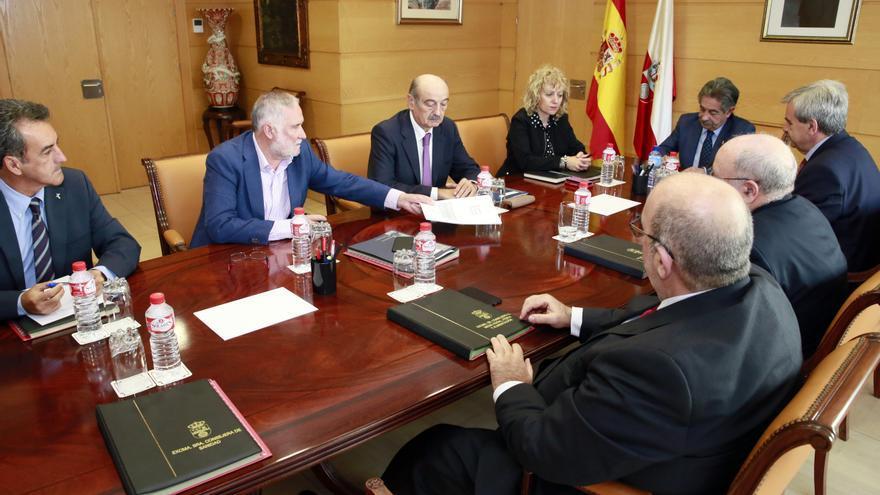 Consejo de Gobierno de Cantabria en el que se ha firmado la destitución de Ramón Ruiz. | NACHO ROMERO