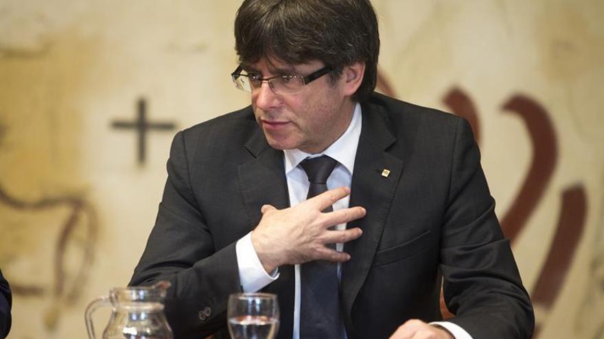 Puigdemont reúne a Forcadell, JxSí y la CUP para hablar del referéndum