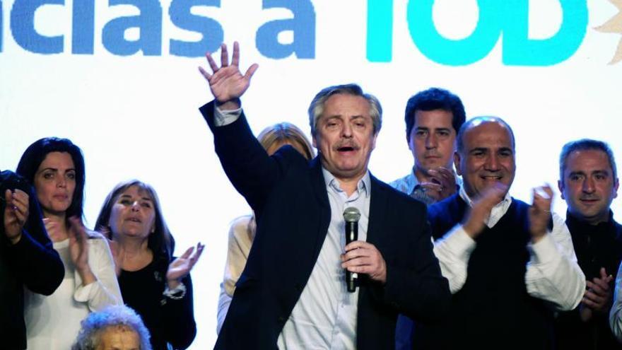 """Fernández dice que no se pondrá de acuerdo con Macri y """"no tiene sentido"""" una reunión"""
