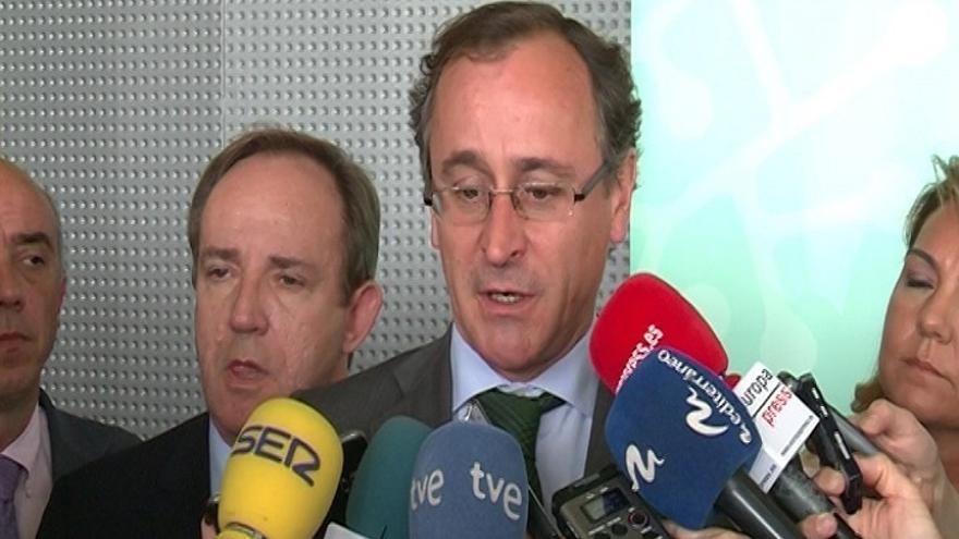 Alonso confía en Cañete y no tiene dudas de que se explicará sobre la amnistía fiscal