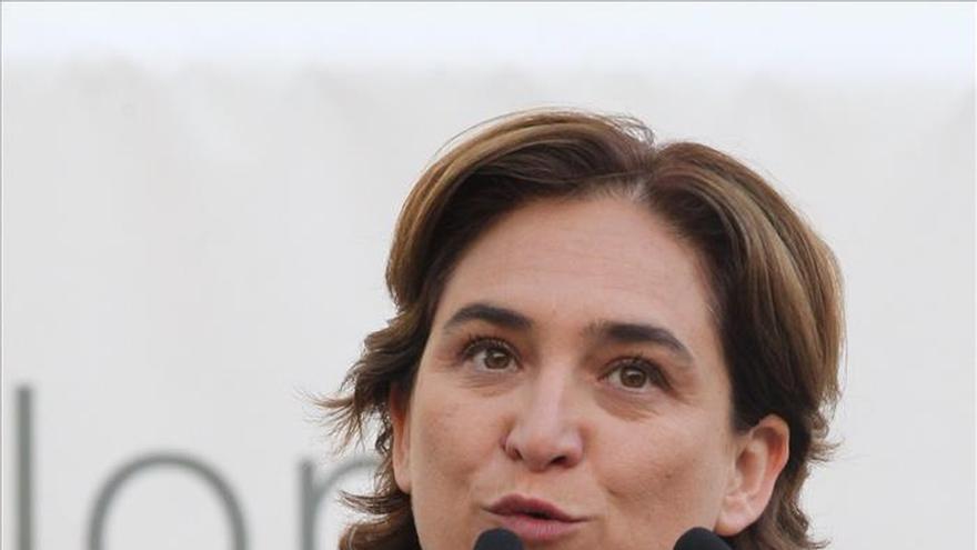 Ada Colau expresa su respeto por las protestas pacíficas durante la campaña