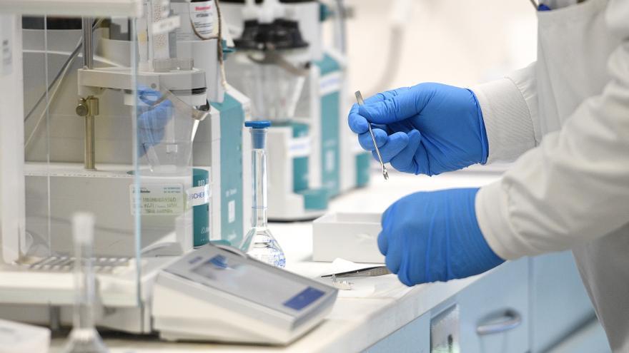 Argentina aprueba la vacuna de Oxford y AstraZeneca contra la covid-19