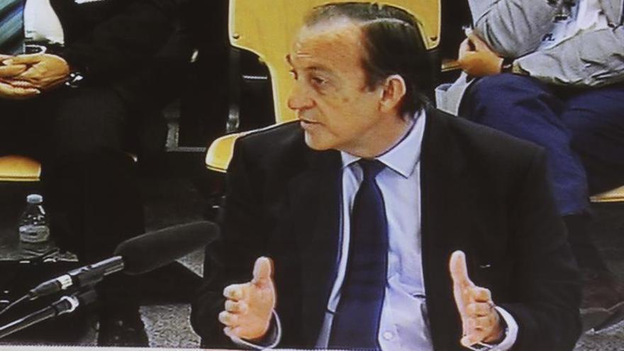 Imagen televisada de Rodríguez-Ponga en el juicio de las tarjetas 'black'.