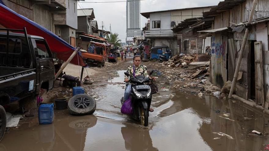Indonesia ultima un plan para trasladar la capital mientras Yakarta se hunde