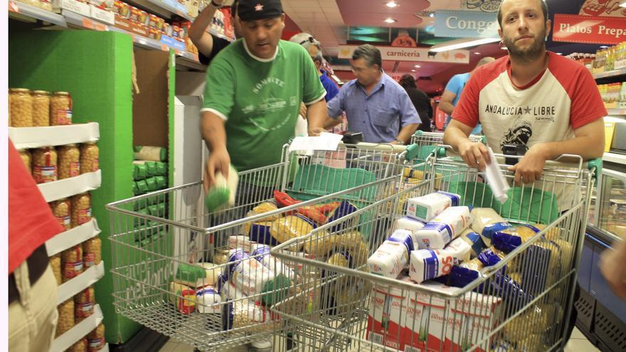 El SAT atribuye la prórroga de los 400 euros al asalto de los supermercados