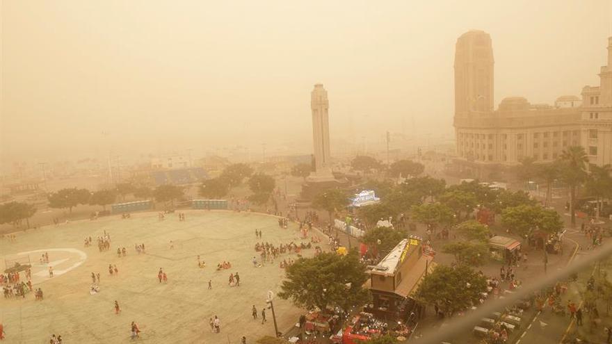 Resultado de imagen de Carnaval de Día pese a la calima