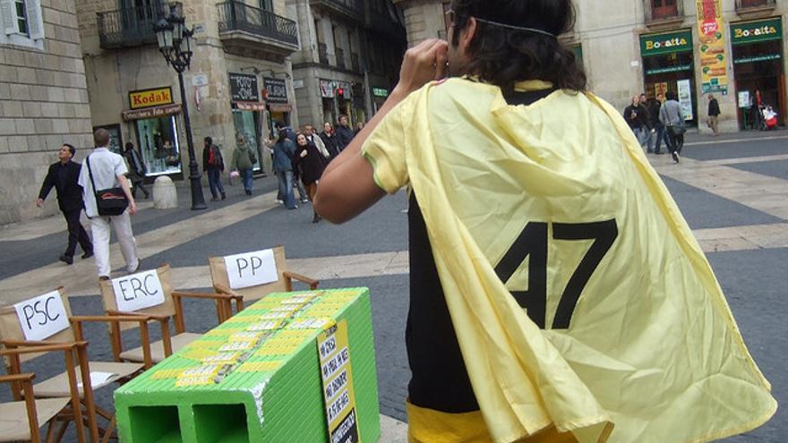 Supervivienda invita los partidos en campaña a debatir en la plaza Sant Jaume de Barcelona en febrero de 2008 / flickr: vdevivienda