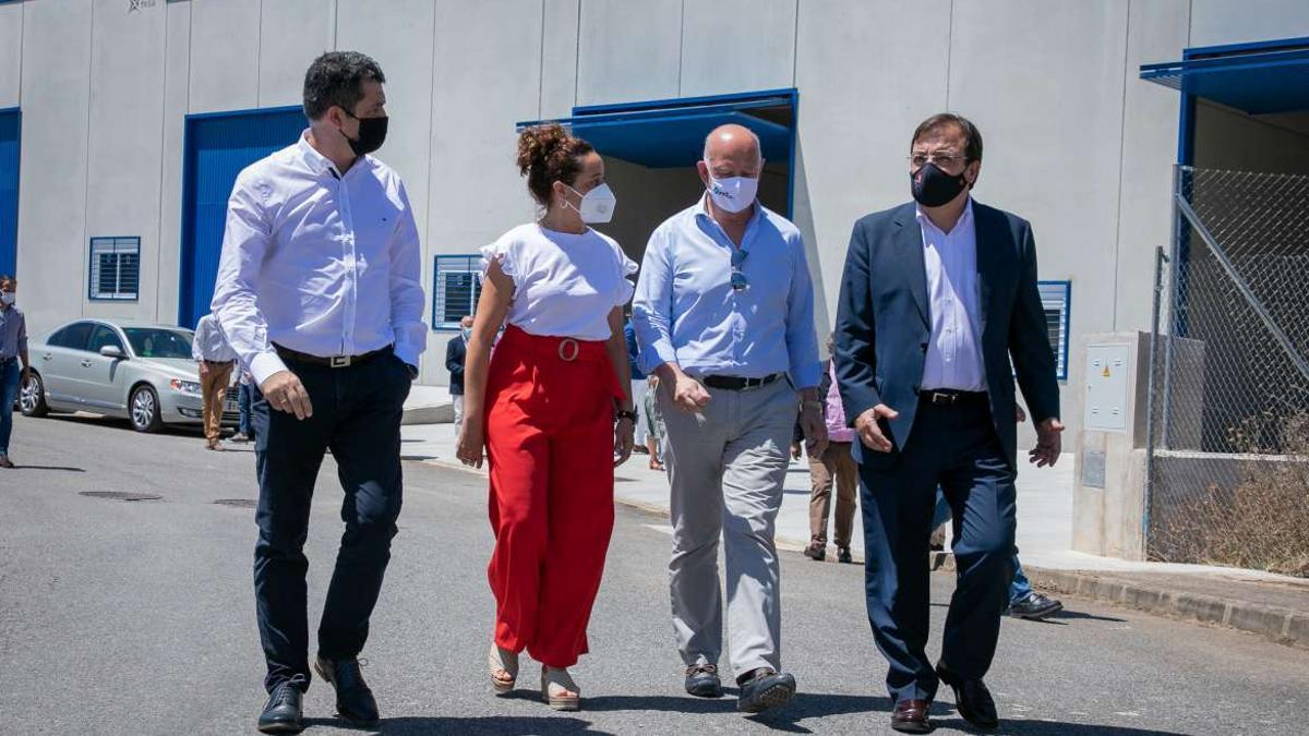 Fernández Vara, en la inauguración de un parque de naves empresariales en Jerez de los Caballeros