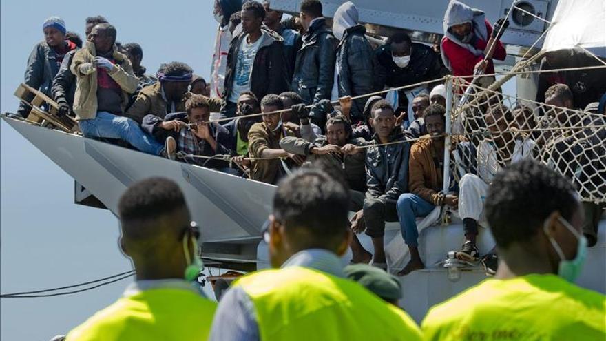 Salvados 780 inmigrantes y 5 cadáveres en operaciones coordinadas por Italia