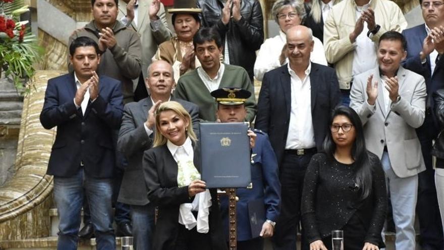 Jeanine Áñez en la presentación de la ley de convocatoria de elecciones para Bolivia / ABI