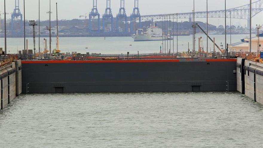 El Canal de Panamá en alerta ante los altos niveles de agua del embalse de Gatún