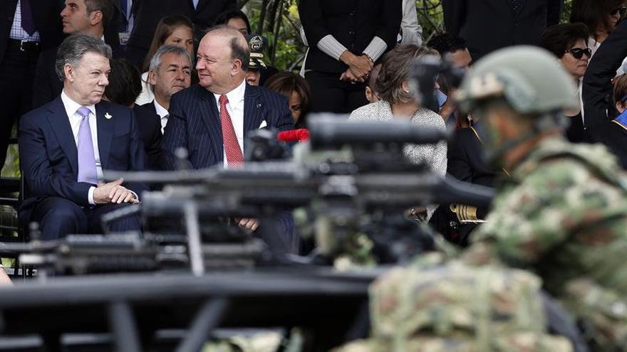 Colombia celebra el Día de la Independencia con un desfile militar y la paz en horizonte
