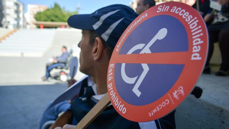 Cientos de andaluces reivindican el derecho a la accesibilidad y piden sanciones ante su incumplimiento