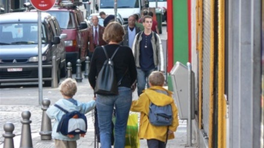Mochila, niños, madre, niño, colegio